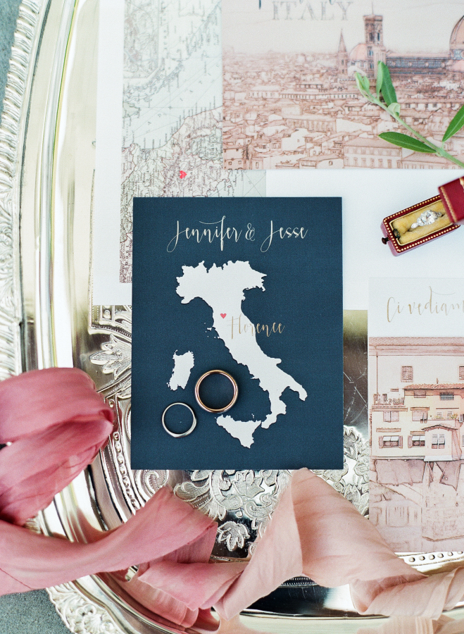 Everything-you-need-to-know-to-plan-a-wedding-abroad http://itgirlweddings.com/everything-need-know-plan-wedding-abroad/