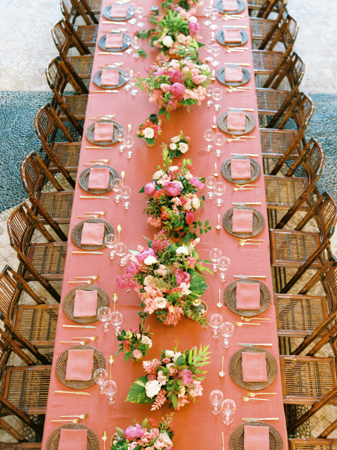 peach wedding reception table http://itgirlweddings.com/wedding-planning-timeline/champagne
