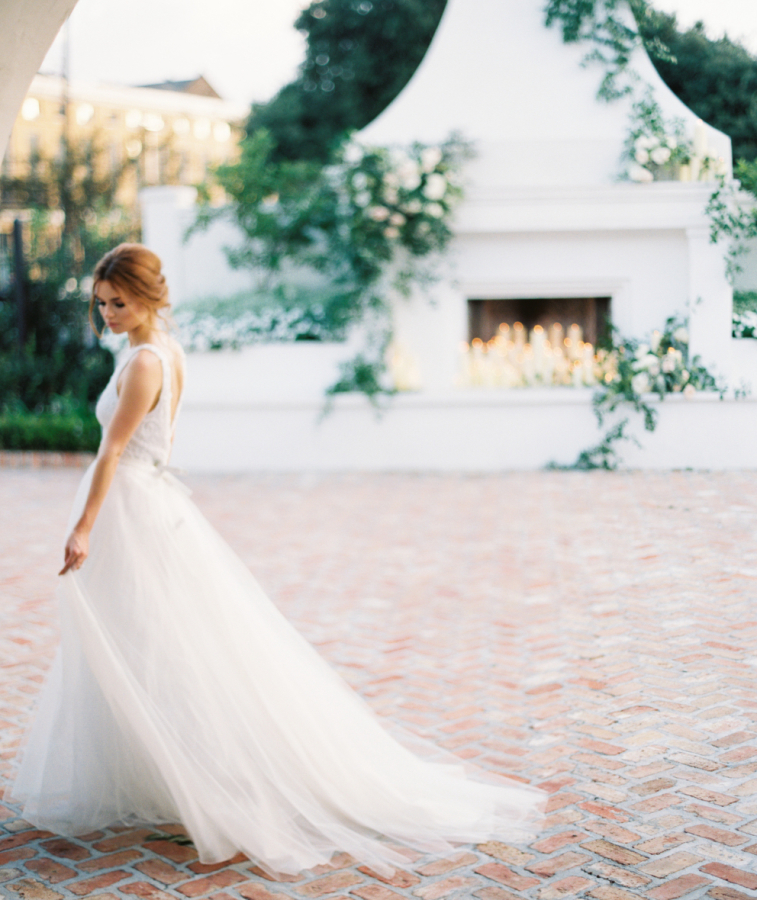 Timeless Traditional Style http://itgirlweddings.com/timeless-traditional-style/