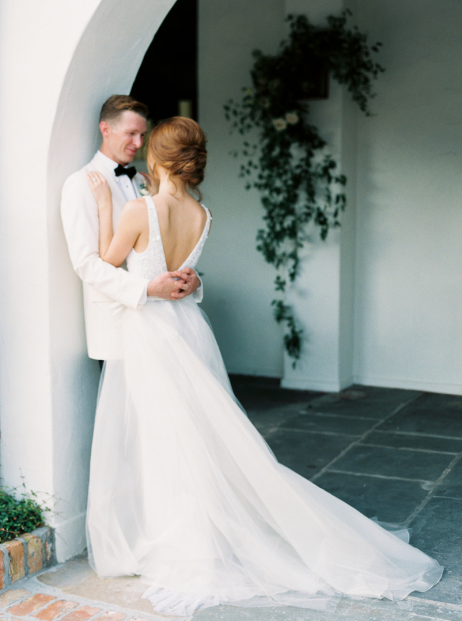 romantic wedding shoot http://itgirlweddings.com/timeless-traditional-style/