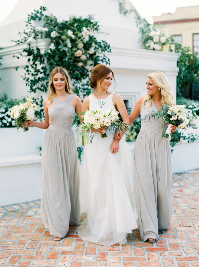 bride and her maids http://itgirlweddings.com/timeless-traditional-style/