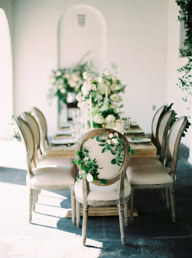 green white wedding tablescape http://itgirlweddings.com/timeless-traditional-style/