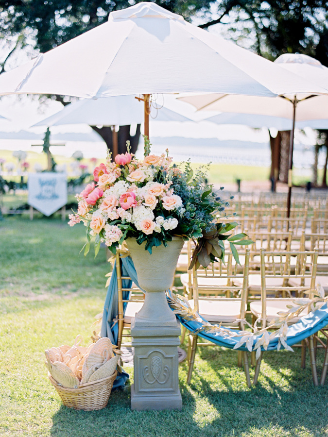 wedding ceremony decor http://itgirlweddings.com/southern-wedding-with-a-surprise-grand-exit/