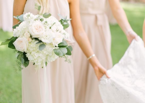 5 WAYS TO SAVE MONEY AS A BRIDESMAID