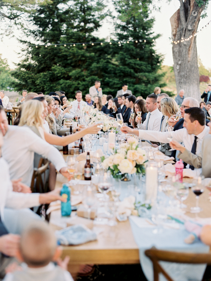 real wedding at a vineyard in napa valley http://itgirlweddings.com/pretty-vineyard-wedding/