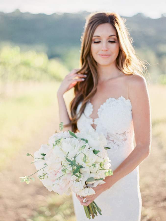 unique wedding dress bust http://itgirlweddings.com/pretty-vineyard-wedding/