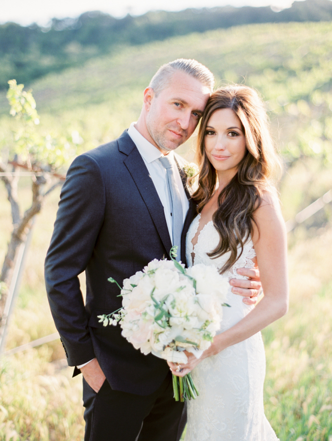 bride and groom napa valley wedding http://itgirlweddings.com/pretty-vineyard-wedding/