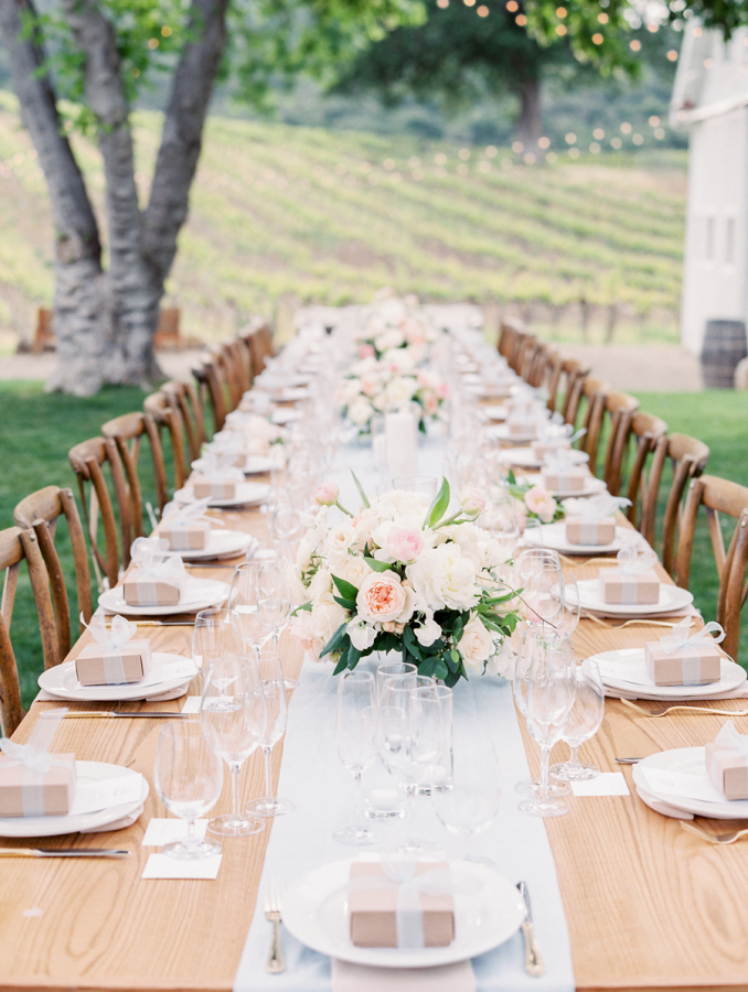 pretty vineyard wedding http://itgirlweddings.com/pretty-vineyard-wedding/