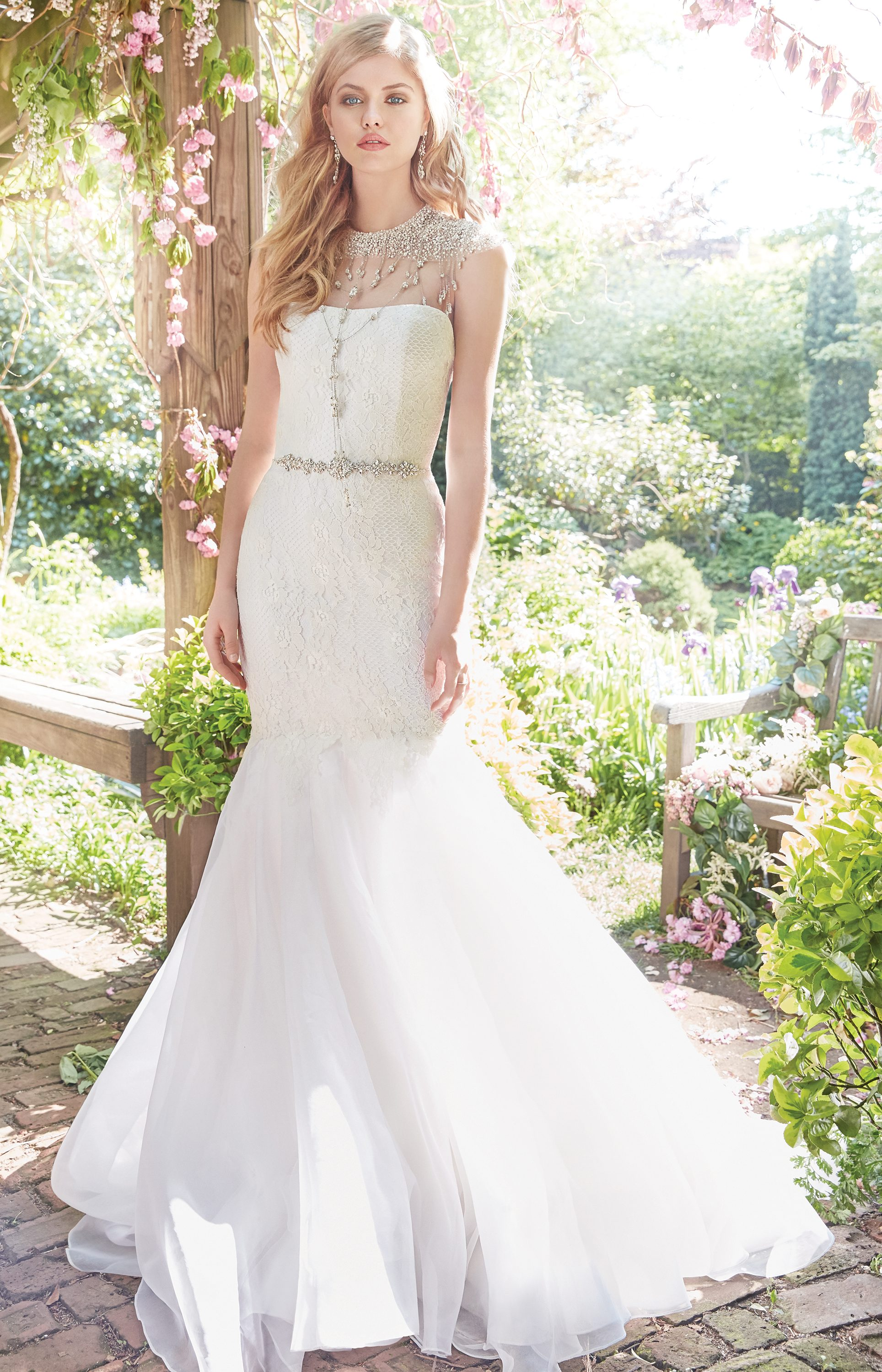 alvina-valenta-bridal-fall-2016-style-9653_6 http://itgirlweddings.com/fall-2016-alvina-valenta-wedding-collection/