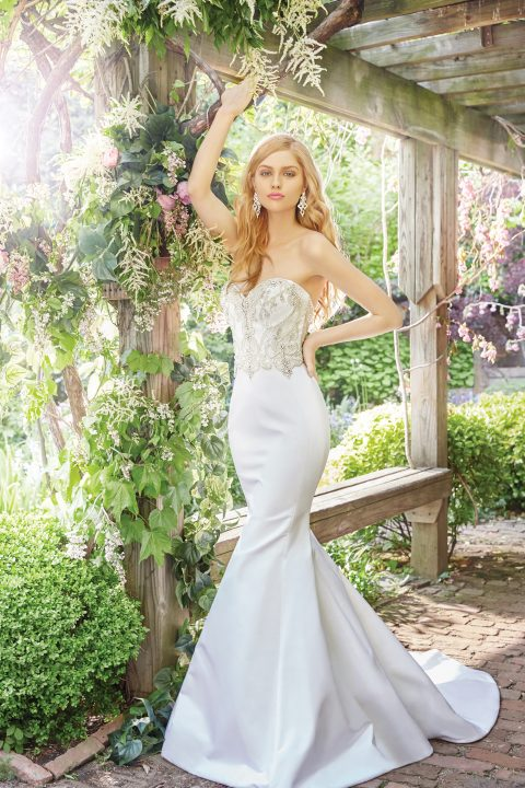 alvina-valenta-bridal-fall-2016-style-9660_3 http://itgirlweddings.com/fall-2016-alvina-valenta-wedding-collection/