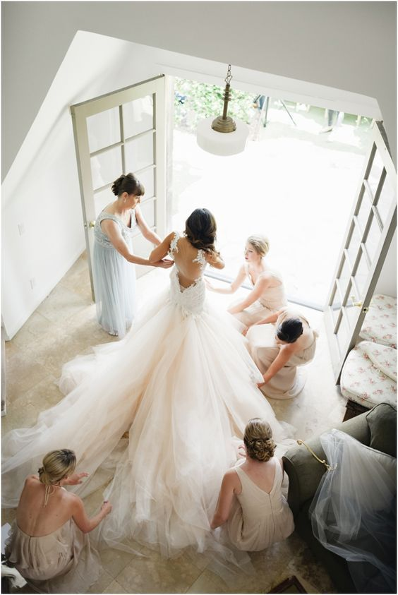 Bridesmaids Duties Http Itweddings Who Is Responsible