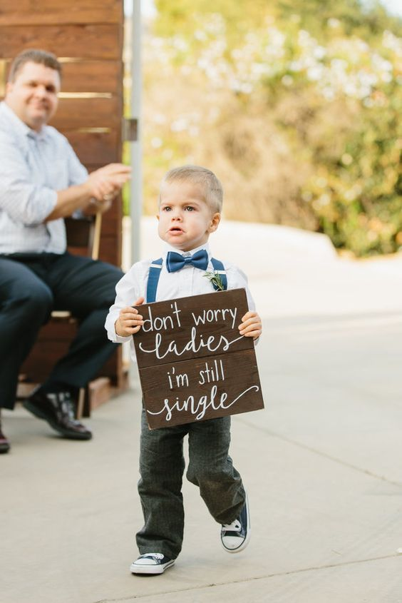 don't worry ladies I'm still single http://itgirlweddings.com/who-is-responsible-for-what-on-your-wedding-day/