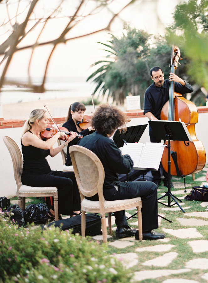 wedding ceremony band http://itgirlweddings.com/best-day-ever/