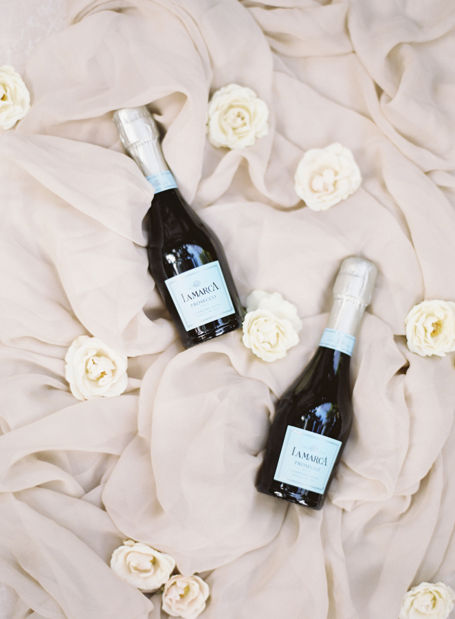 champagne moments http://itgirlweddings.com/best-day-ever/