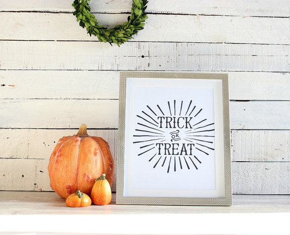 trick or treat sign http://itgirlweddings.com/5-halloween-date-night-ideas/