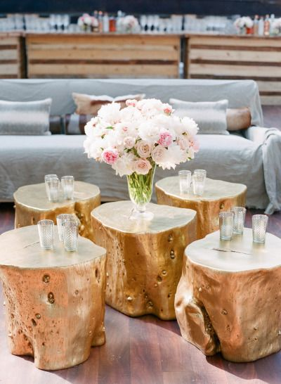 HOW TO CREATE VIGNETTES FOR YOUR WEDDING http://itgirlweddings.com/create-vignettes-wedding/