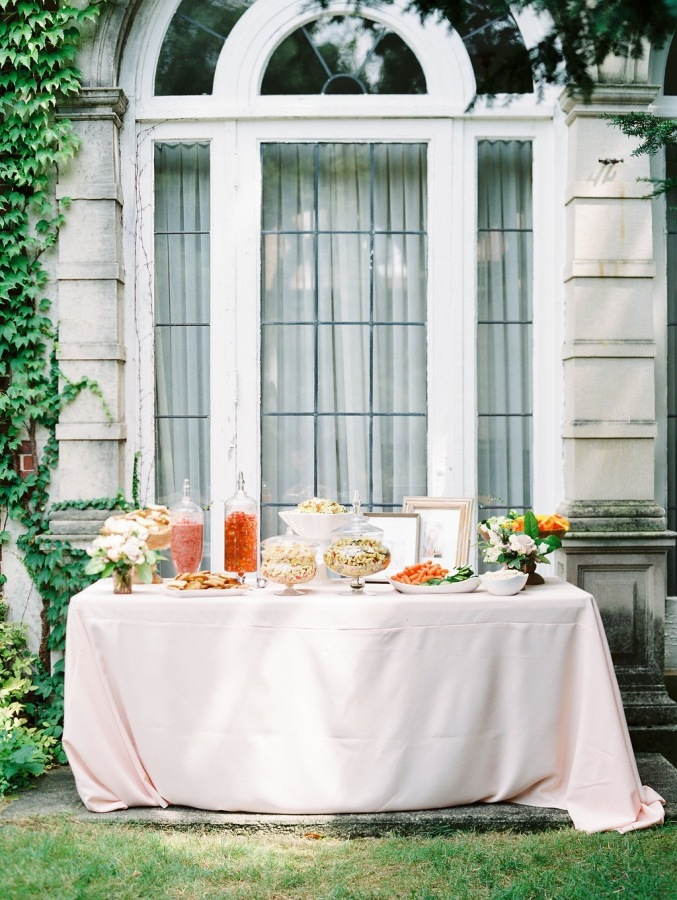 outdoor bridal shower http://itgirlweddings.com/garden-bridal-shower/