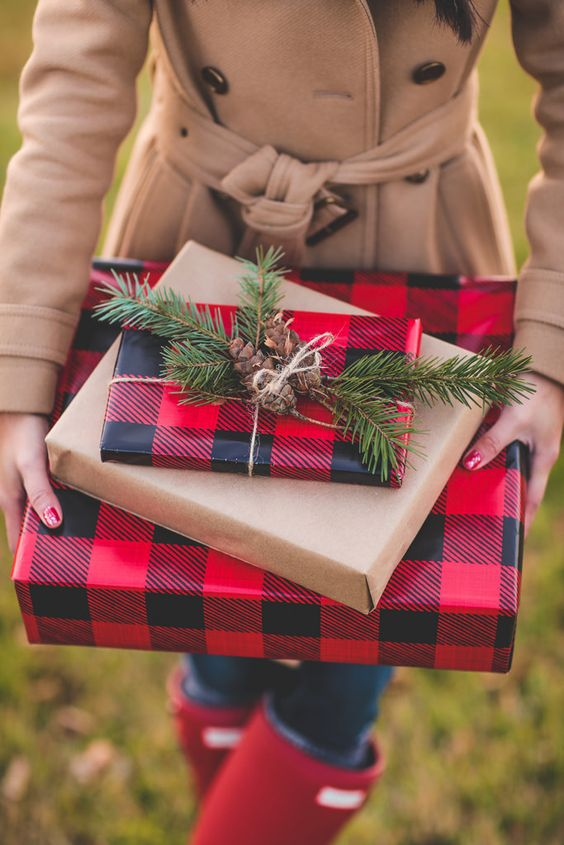 guide-to-cyber-monday-gingham-christmas-presents