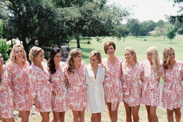5 MUST HAVE PHOTOS TO TAKE WITH YOUR BRIDESMAIDS