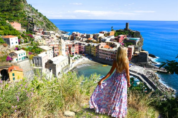 4 THINGS TO CONSIDER BEFORE JETTING OFF ON YOUR HONEYMOON