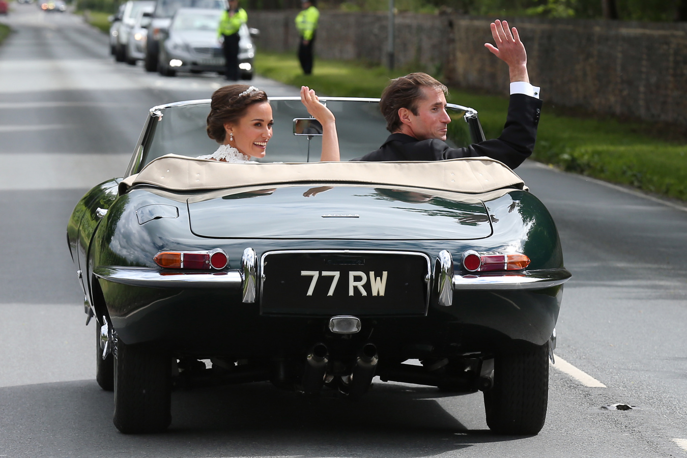 pippa middleton and groom in car