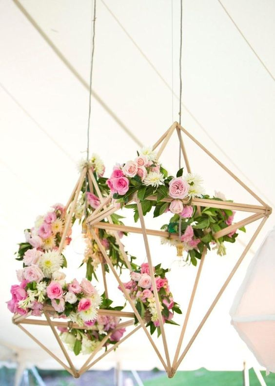 unique wedding flower decor