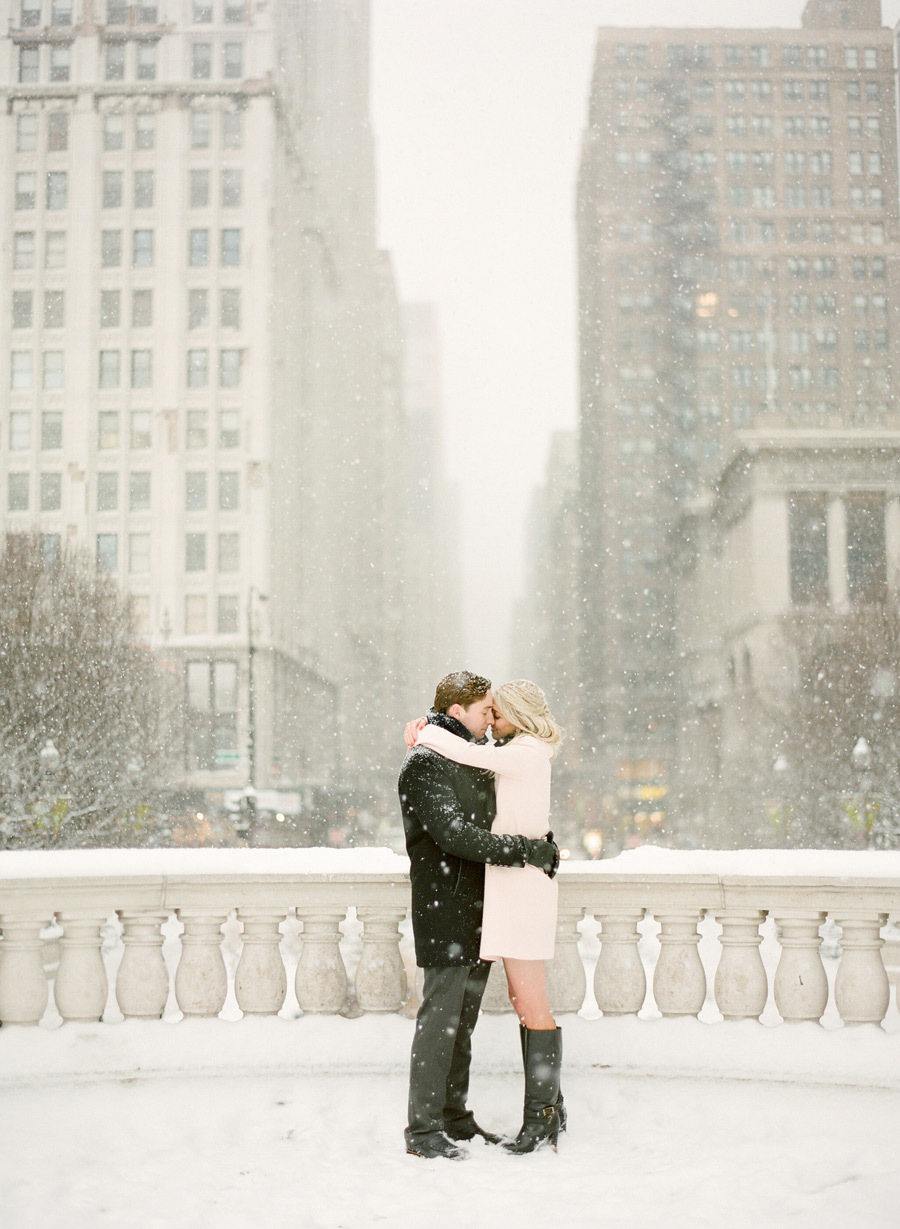 engagement photos when it's snowing
