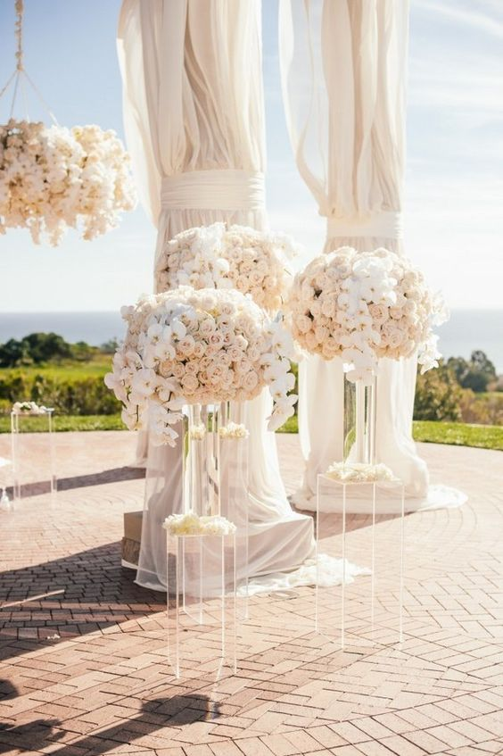 huge wedding flowers