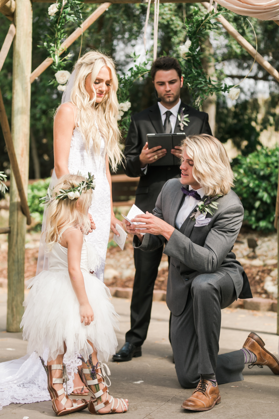 It girl weddings a modern wedding blog part 8 photographer valorie darling photography wedding dress grace loves lace makeup mac cosmetics florist tre fiori floral wedding invitations minted ombrellifo Gallery