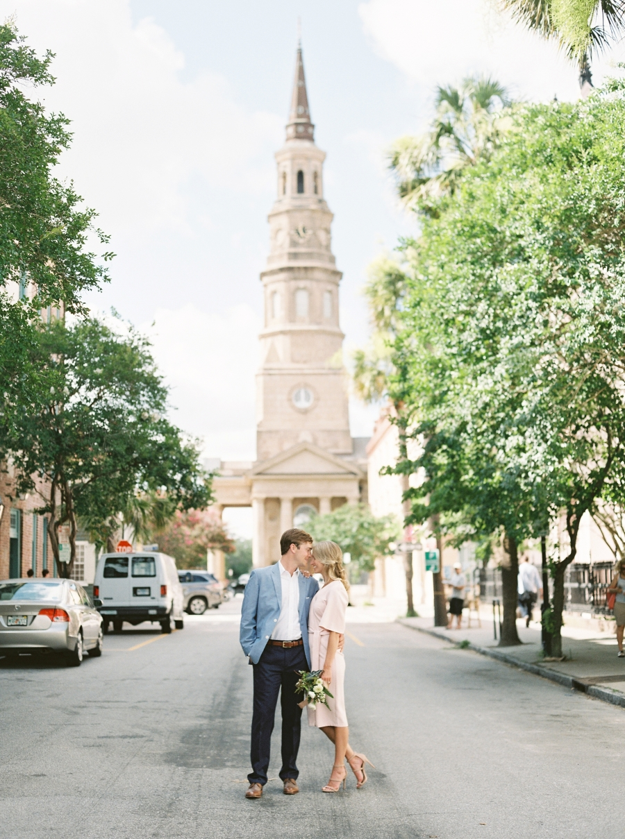 TIMELESS CHARLESTON ENGAGEMENT SESSION