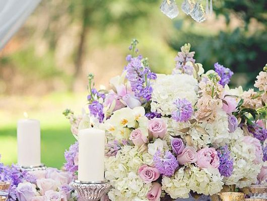 HOW TO INCORPORATE PANTONE'S COLOR OF THE YEAR ULTRA VIOLET INTO YOUR WEDDING