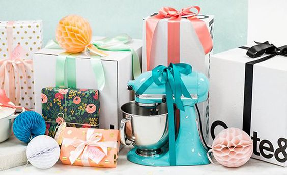 HERE'S ALL YOUR WEDDING REGISTRY QUESTIONS ANSWERED
