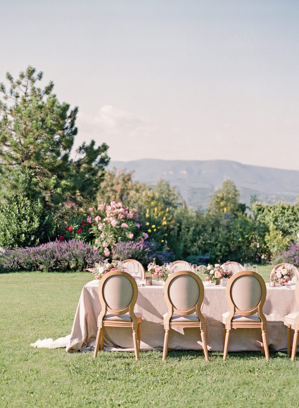 HOW TO PLAN FOR A SUMMER WEDDING IN THE WINTER
