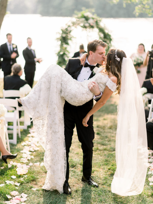 6 WEDDING DETAILS THAT ARE SURE TO WOW