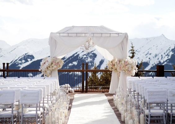 THE LATEST IN WINTER WEDDING TRENDS