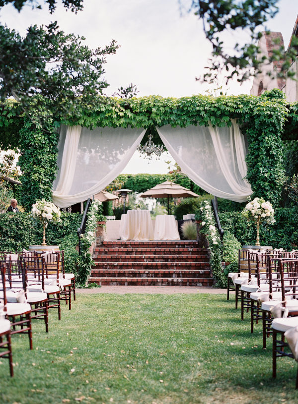 WHY YOU NEED A DAY-OF WEDDING PLANNER