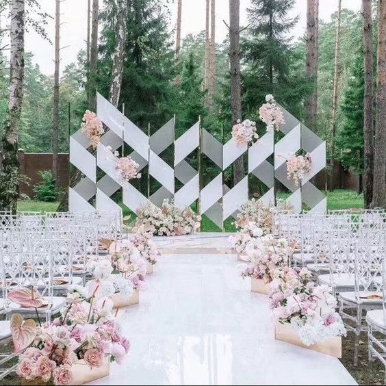 geometric wedding ceremony display https://itgirlweddings.com/spring-wedding-inspiration-part-3/